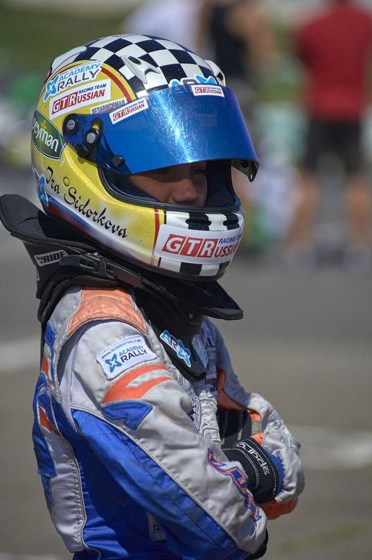 Перед заключительной гонкой Российской серии Ротакс карельская пилотесса Ирина Сидоркова включилась в борьбу за титул