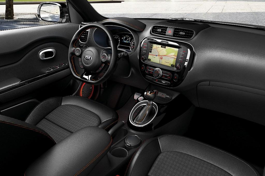 KIA Soul GT interior