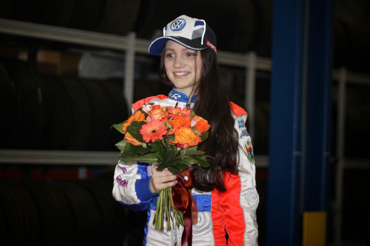 Кубок Санкт-Петербурга по Ледовым кольцевым автогонкам среди мужчин выиграла семиклассница из Петрозаводска
